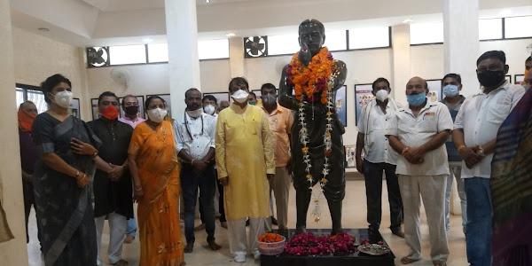आजाद जयन्ती पर भाजपा ने किया आजाद को स्मरण अर्पित की पुष्पाजंलि