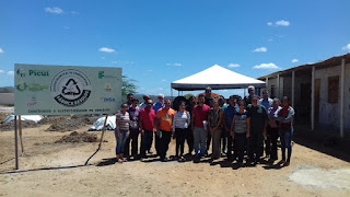 Secretário de Estado Luiz Couto visita projeto fábrica de solos em Picuí