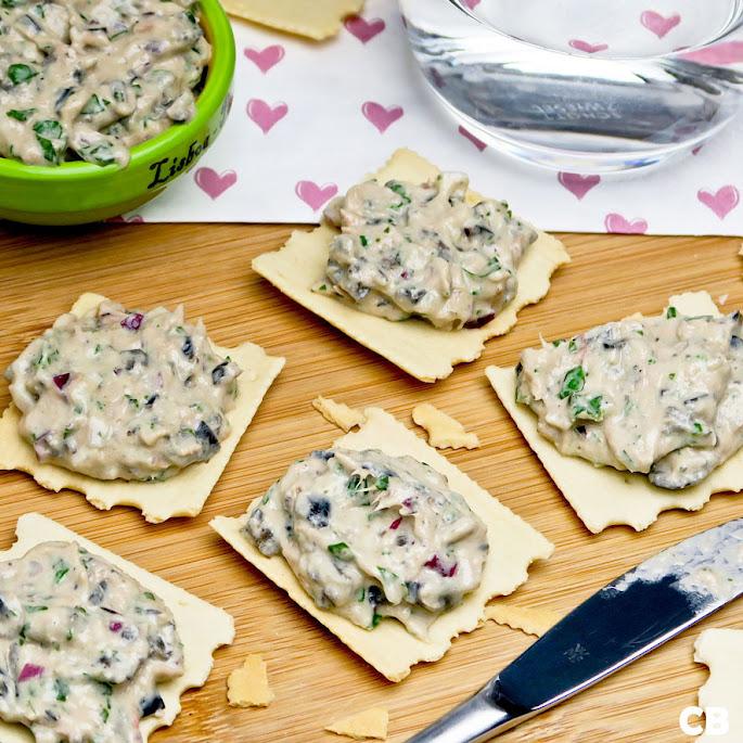 Toastjes met verrukkelijke Spaanse tonijnsalade