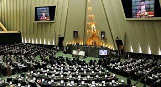 السيد علي خامنئي ينتصر لأهل السنة في إيران