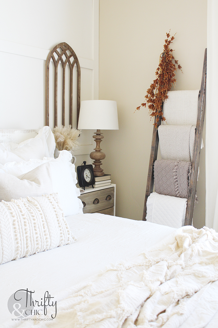 fall bedroom decor, fall bedroom decorating ideas, fall decor inspiration, neutral fall decor ideas, diy fall decor, natural fall decor, fall decor ideas for the home