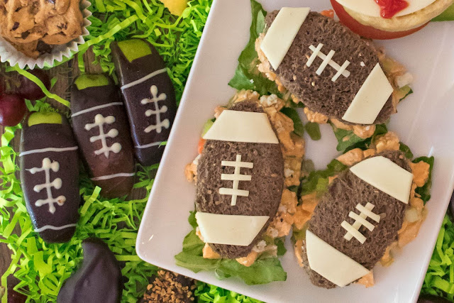 How to Make Baseball Breakfast Sandwich and Buffalo Chicken Football Sandwich Recipes for Father's Day Meals!