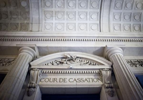 """""""Licenciement discriminatoire"""" : un arrêt rendu par la Cour de cassation donne raison à une employée renvoyée pour le port du voile"""