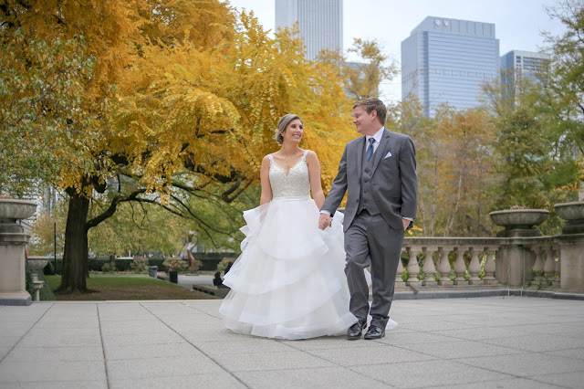 Wedding Pictures at the Art Institute of Chicago