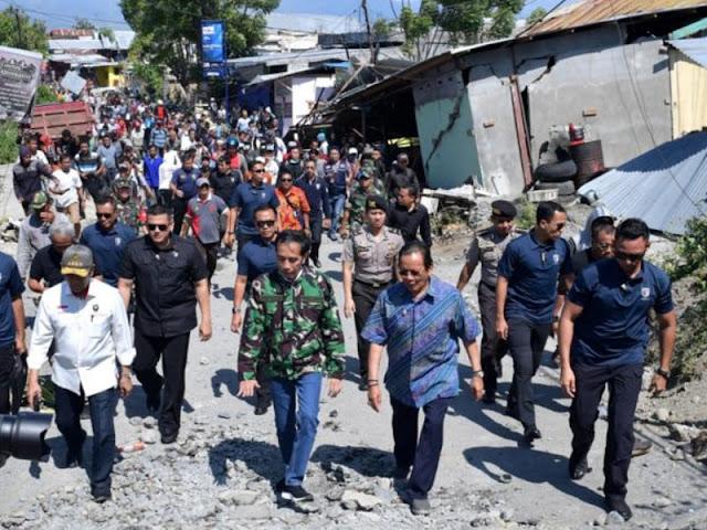 Presiden Jokowi Tekankan Evakuasi Korban Gempa dan Tsunami