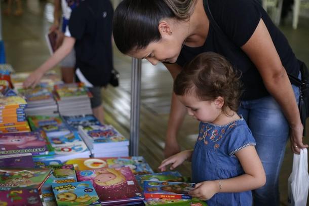 Feira Internacional do Livro entra no calendário oficial de Foz do Iguaçu