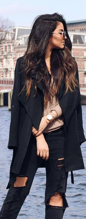 casual outfit idea: black coat + top + black rips