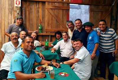 Almoço com amigos no Piquete da Carris.