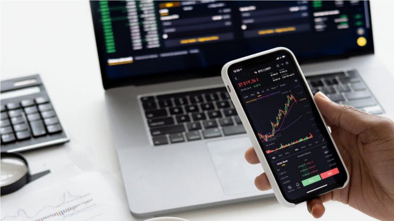 6 Aplikasi investasi saham terbaik