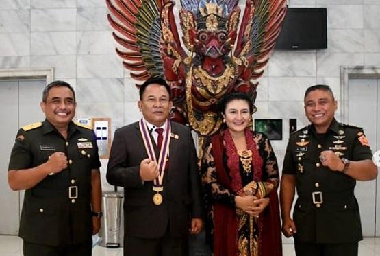Ketua DPRD Jabar Raih Penghargaan Predikat Akademik Terbaik  Program P3DA XI/2020