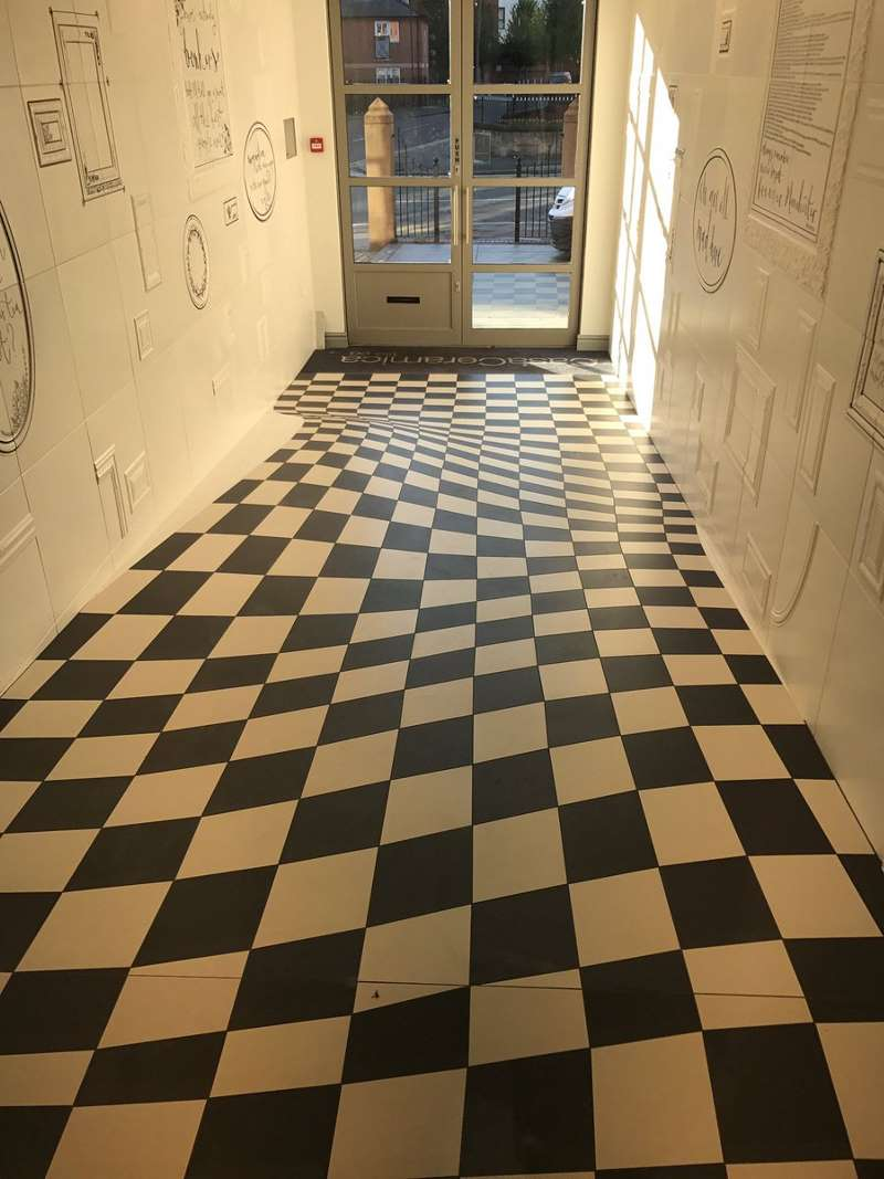 optical ilusion floor made f tiles