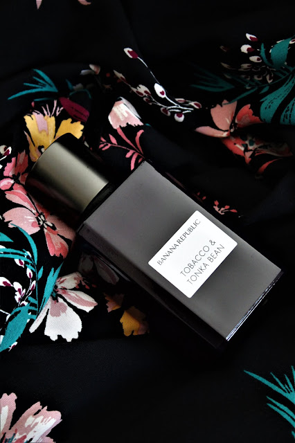 tobacco and tonka bean banana republic avis, banana republic parfums, parfums banana republic, banana republic tobacco tonka bean, tobacco and tonka bean, parfumerie, meilleur parfum pour femme, woman perfume, perfume for woman, perfume influencer