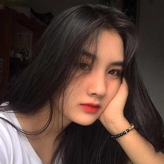Nữ sinh ĐH Sài Gòn sở hữu nhan sắc khả ái đốn tim dân mạng