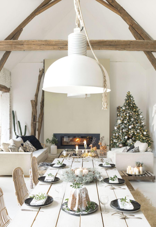 Święta w pięknym mieszkaniu w dawnej stodole, wystrój wnętrz, wnętrza, urządzanie domu, dekoracje wnętrz, aranżacja wnętrz, inspiracje wnętrz,interior design , dom i wnętrze, aranżacja mieszkania, modne wnętrza, styl rustykalny, styl skandynawski, mieszkanie w stodole, Święta, Boże Narodzenie, rustic style, Scandinavian style, flat in the barn, Holidays,