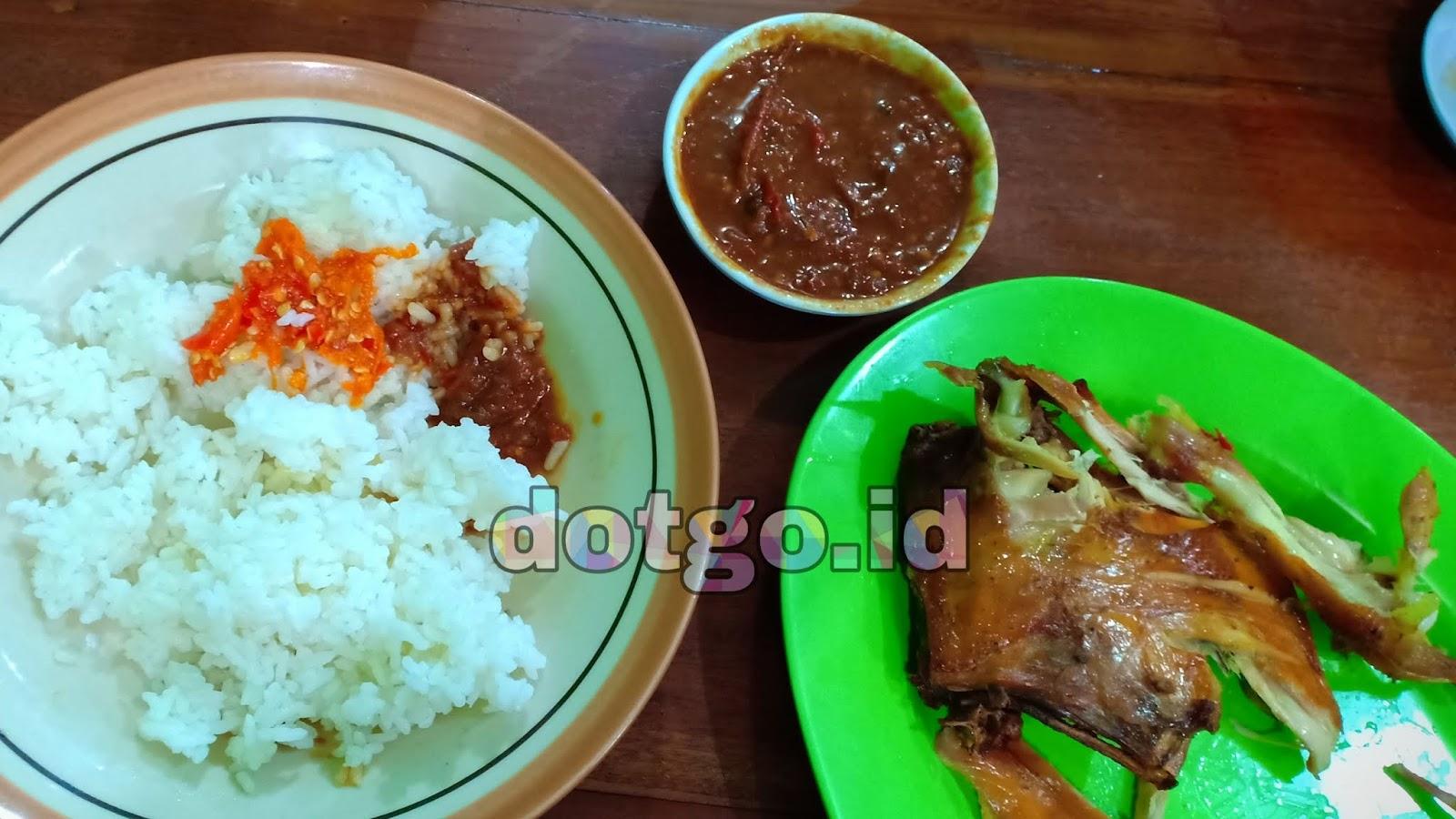Bebek Goreng Pak Koes Kuliner Yogyakarta Enak Dan Murah Ayam