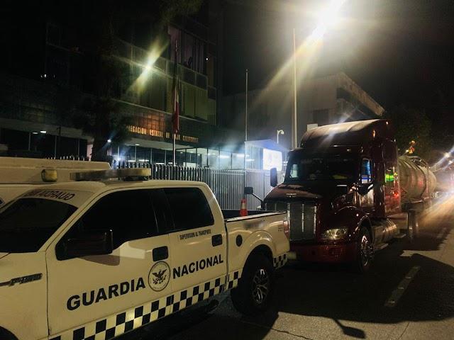 GUARDIA NACIONAL DETIENE A DOS PERSONAS Y ASEGURA CERCA  DE 70 MIL LITROS DE COMBUSTIBLE EN TIJUANA