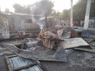 Incendio  recude a cenizas viviendas en Cabral