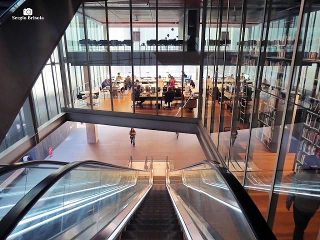 Vista de parte da Biblioteca do Instituto Moreira Salles - IMS - Consolação - São Paulo
