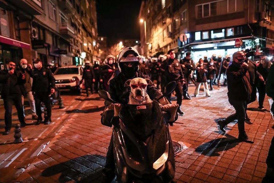Τείχη φόβου χτίζει ο Ερντογάν για να παραμείνει στην εξουσία