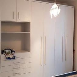 vernice bianca per armadio di legno