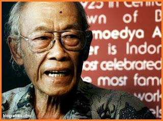 Biografi Pramoedya Ananta Toer - Sastrawan Indonesia