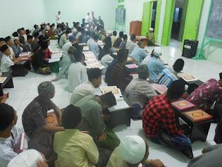 Makalah Sejarah Pendidikan Islam (Pertumbuhan dan Perkembangan Pesantren di Indonesaia)