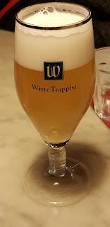 boire une bière à amsterdam
