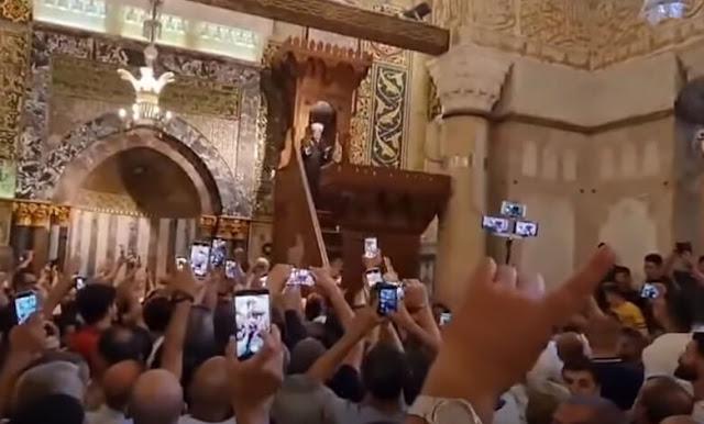 Tak Singgung soal Hamas, Khatib Jumat Masjid Al-Aqsa Disoraki Jamaah
