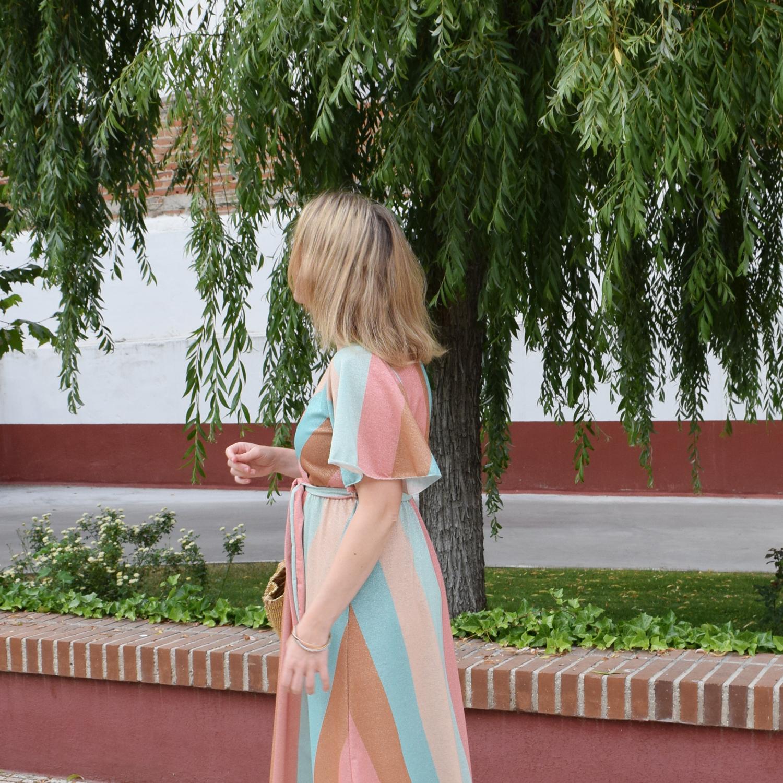 Como_llevar_vestido_brillos_durante_el_día