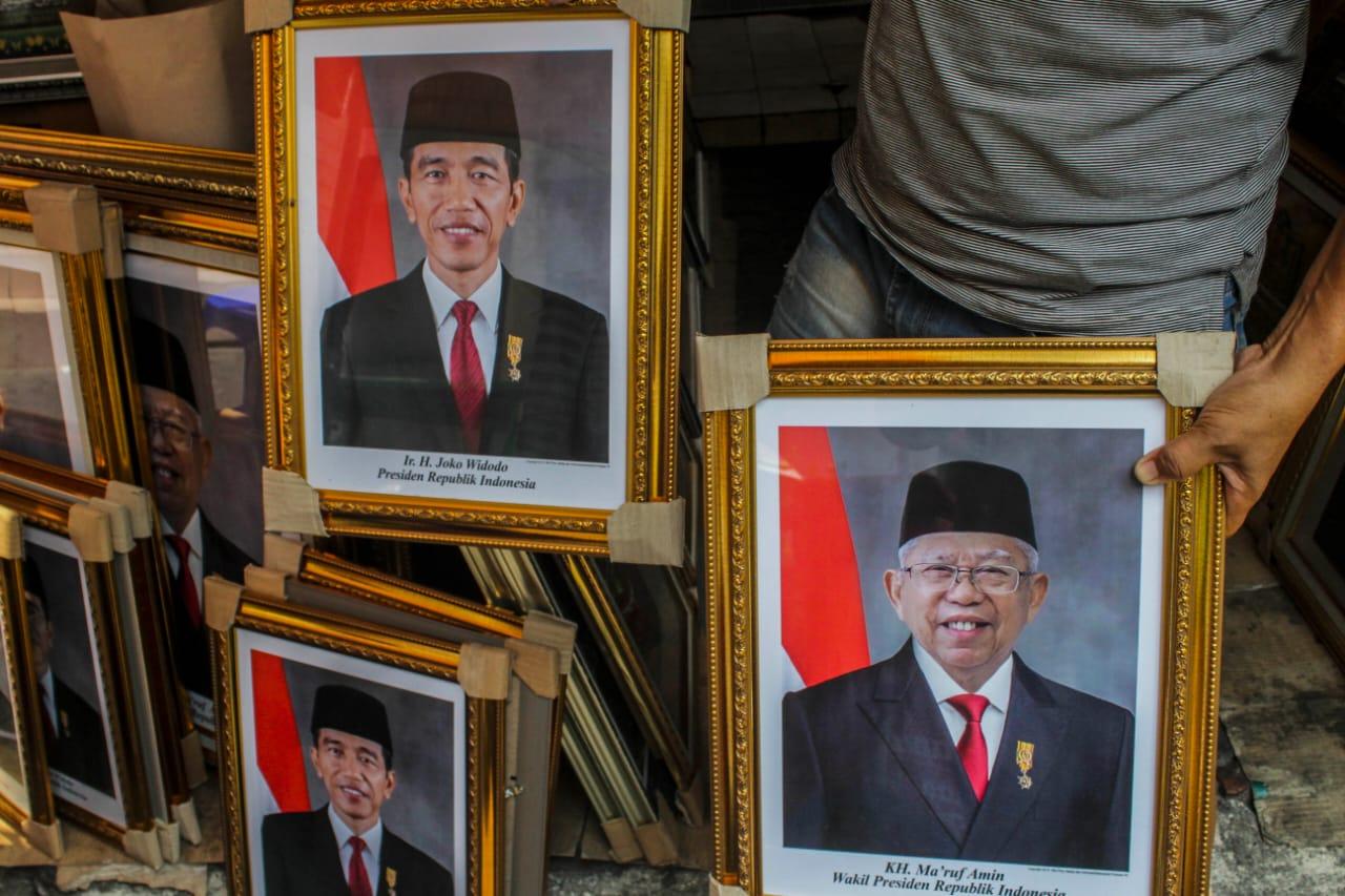 Belum Dilantik Bingkai Foto Jokowi Ma Ruf Sudah Mulai Dijual Berita24com