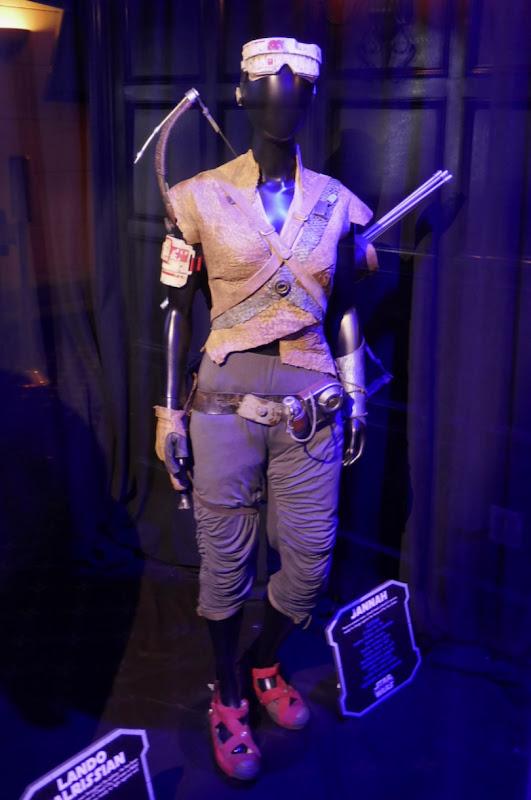 Naomi Ackie Star Wars Rise of Skywalker Jannah film costume