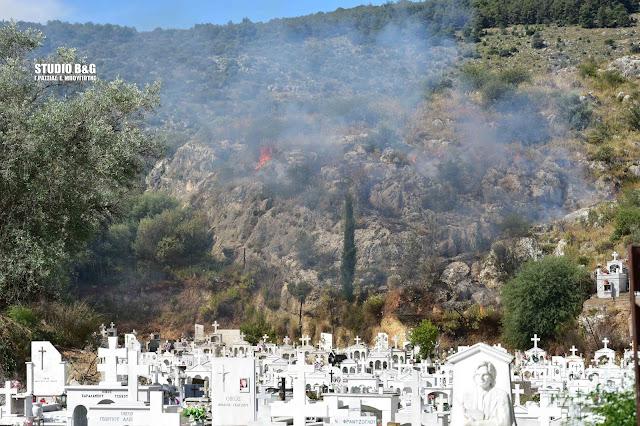 Πυρκαγιά εκδηλώθηκε μέσα στην πόλη του Ναυπλίου (βίντεο)