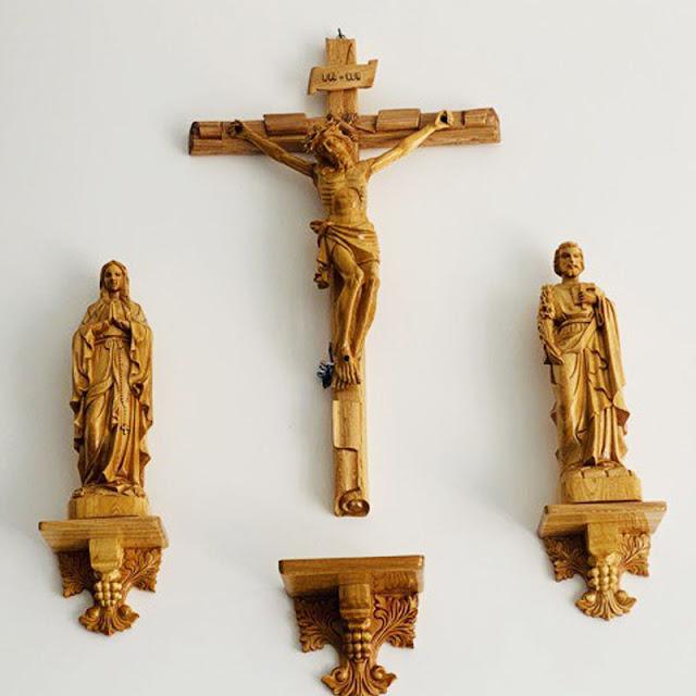 Bàn Thờ Công Giáo Gỗ Pơ mu