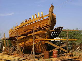 Noé Continuou Construindo a Arca