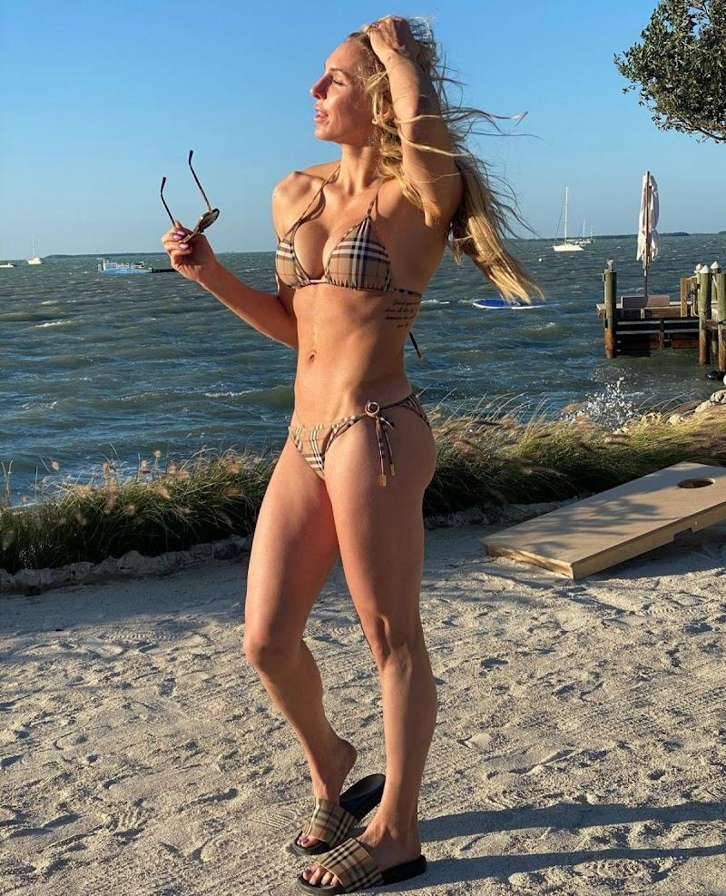 Charlotte Flair in Bikini – Instagram Photos 20 Apr-2021