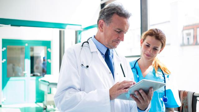 Ini Dia 7 Gangguan Kesehatan Pada Lansia yang Pengobatannya Dapat Dipercayakan Pada Dokter Spesialis Penyakit Dalam (Geriatri)