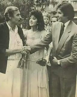 صورة نادرة لـ عزت العلايلي مع أميتاب باتشان