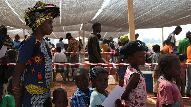La OMS declara la polio oficialmente erradicada de África