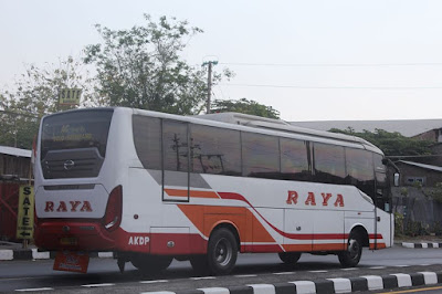 Foto Bus Raya AKDP Solo Semarang AD 1548 AR