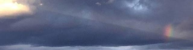 Huge Craft decloaks in weird shaped rainbow cloud over Washougal, WA Decloaking%2Bufo%2Bweird%2Brainbow%2Bcloud%2B%25282%2529