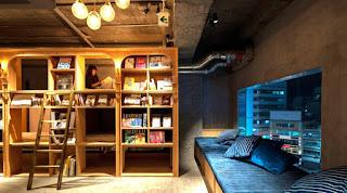 Dormire fra i libri? A Tokyo è possibile!