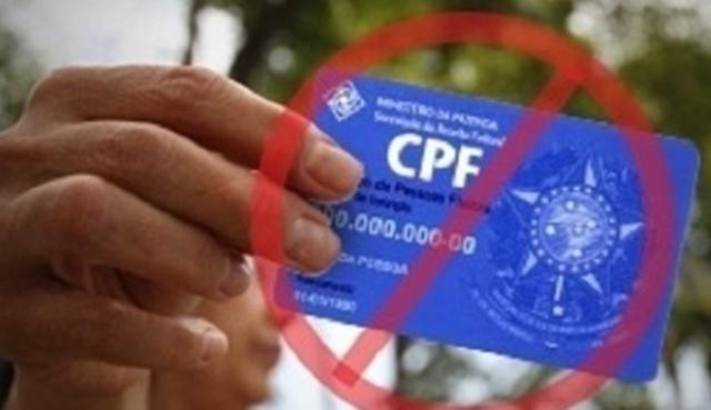 Não consigo me cadastrar no auxílio emergencial porque meu CPF está irregular. Veja o que fazer