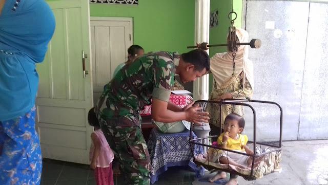 Peduli Kesehatan Babinsa Koramil 23/Ceper Pendampingan Kegiatan Posyandu