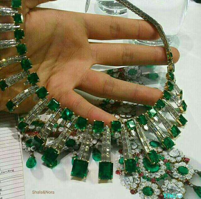 dây chuyền emerald
