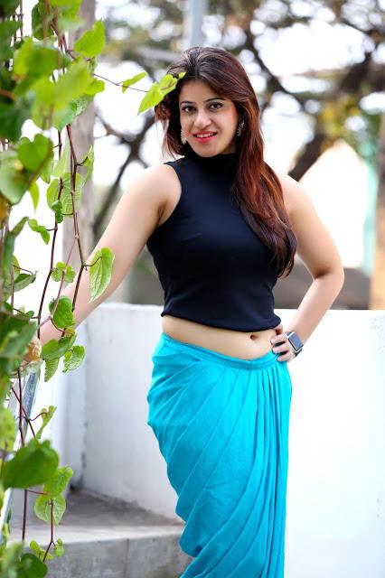 Ahana Kochhar Photos