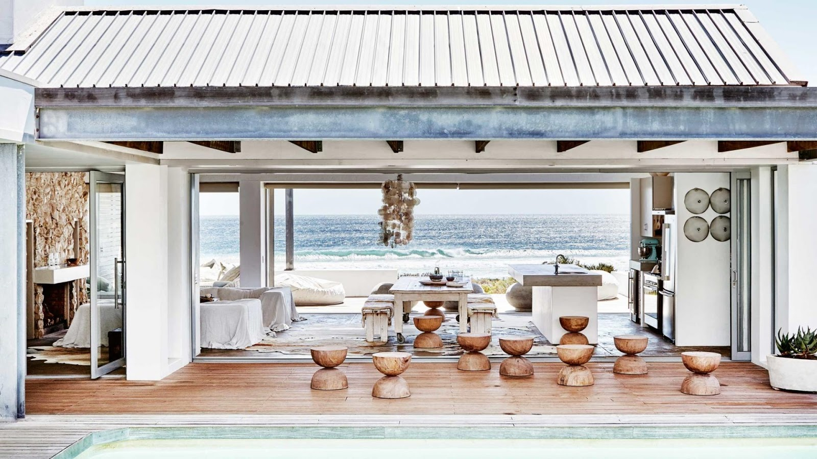 Decordemon stunning beach house in cape town south africa for Beach house design cape town
