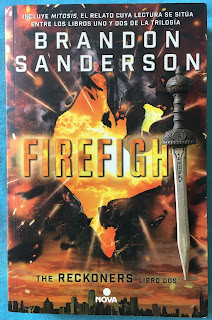 Portada del libro Firefight, de Brandon Sanderson