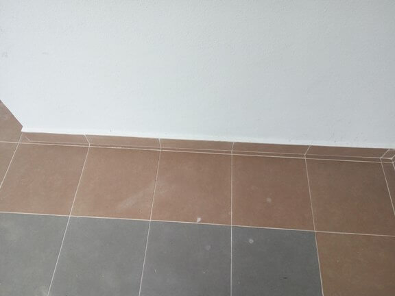 kurang kemas pemasangan tile marble