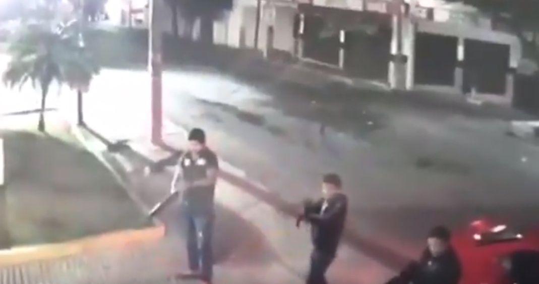 """Video Sicarios de """"Los Mayas"""" rafaguean Bar en Cuernavaca; Morelos por no pagar la cuota"""