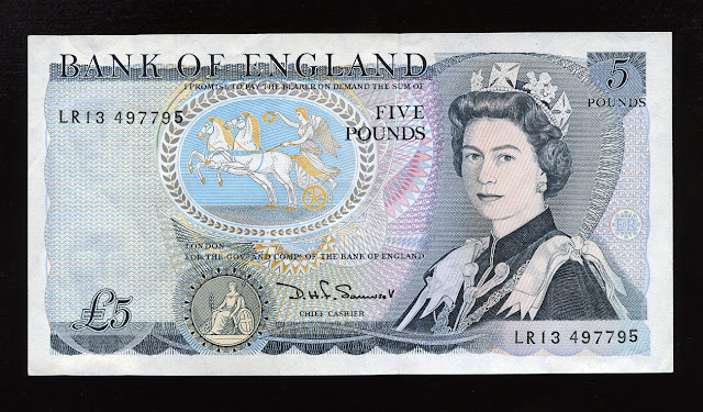 £5 British Pound Sterling note currency, Queen Elizabeth